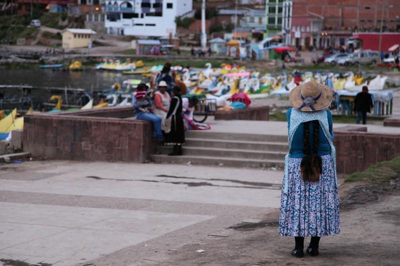 titicaca'da bolivyalılar